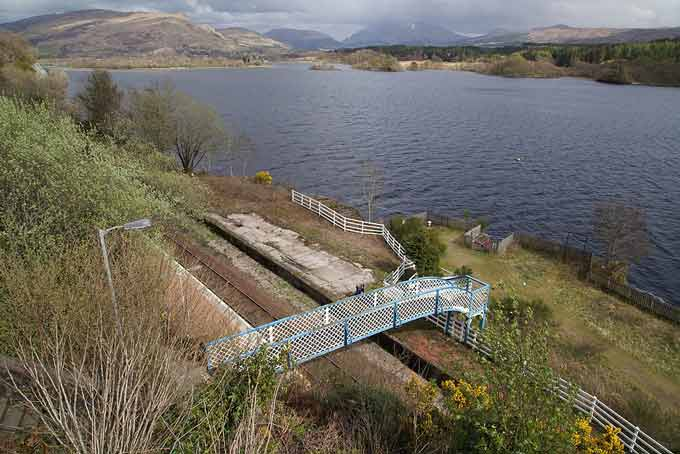 https://commons.wikimedia.org/wiki/File:Loch_Awe_Railway_Station_(22837896929).jpg Tom Parnell from Scottish Borders, Scotland, 2015, Loch Awe Railway Station This file is licensed under the Creative Commons Attribution-Share Alike 2.0 Generic license.